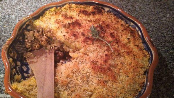 Vega Shepherds Pie met linzen en paddenstoelen.